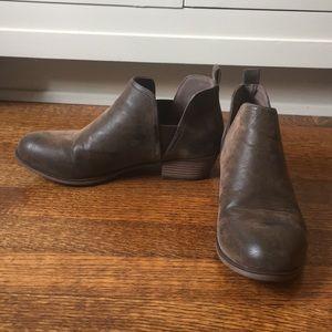 pierre dumas women's brown booties